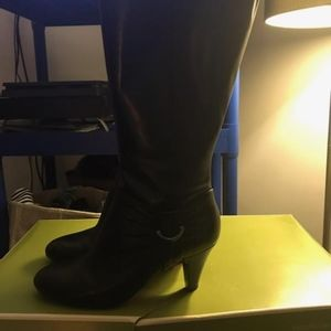 Brand new women's Naturalizers boots